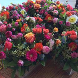 Waiting for these beauties to get picked up #sundaywedding #skeletonleaf #tablecentres #pinkandorang