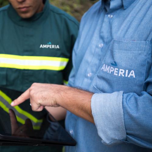 Amperia-Uniformes-Quadrado.jpg