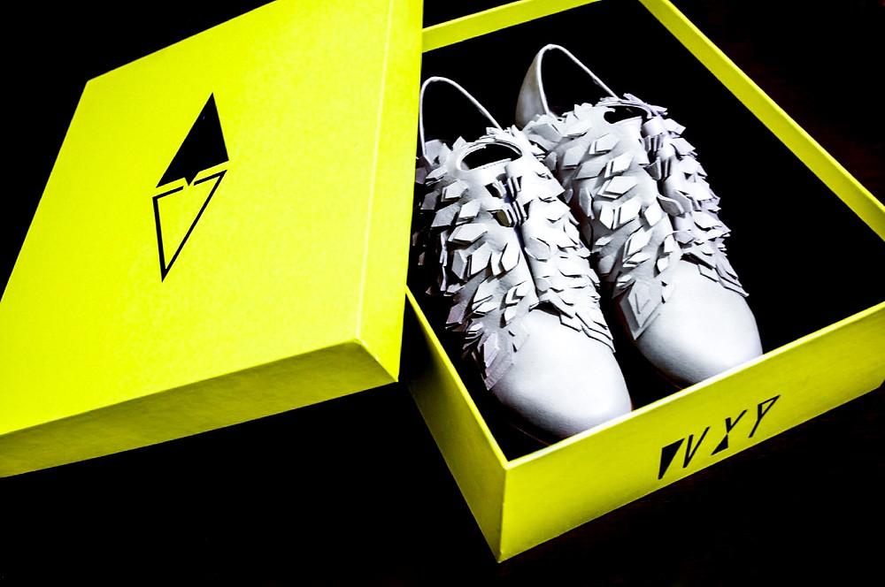台灣品牌WXY第一季女鞋 ice queen 貫徹史懷哲尊重生命原則,利用往往被捨棄的皮料,賦予新生命。