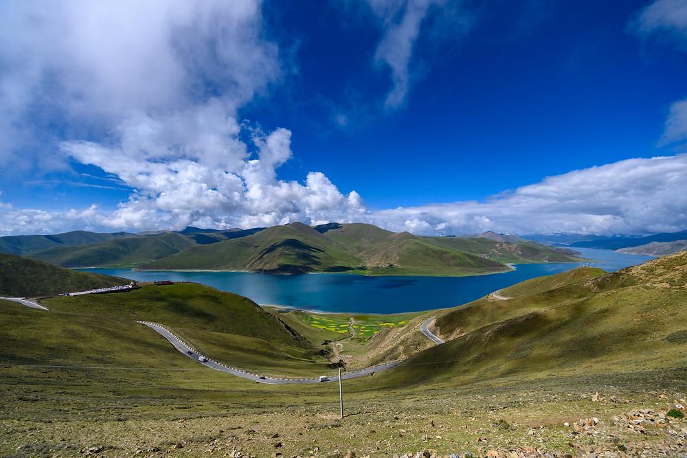 lago sacro Yamzho Yumco