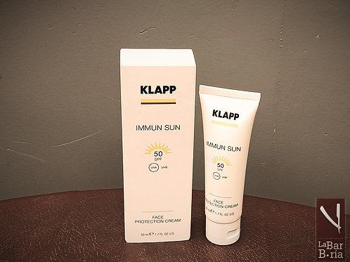 Esta loción suaviza y nutre la piel después de la exposición al sol