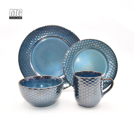 Reactive glaze ceramic dinnerware