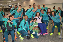 Georgette Vidor recebe atletas do Time Rio no aeroporto