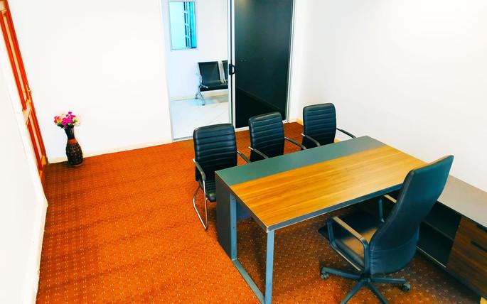Bureau meublé à Dakar