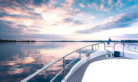 yacht%20deck%20in%20sunset_edited.jpg