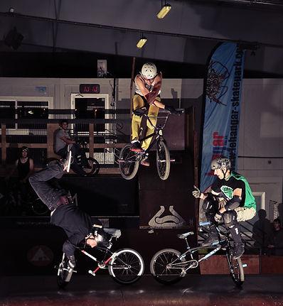 Bmx freestyle tricks    Le-hangar   Nantes