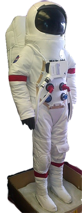 Astronaut01_edited_edited.png