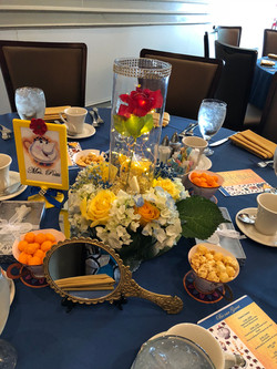 Themed table centerpiece