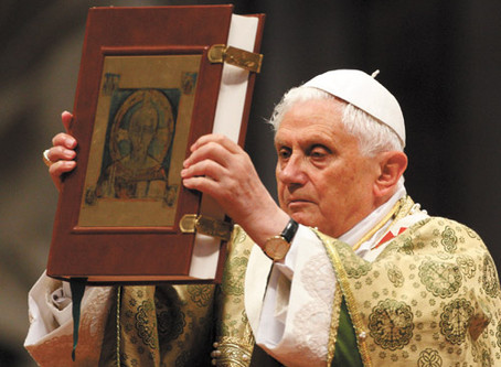 Os 91 Anos de Bento XVI, O Papa do Sábado Santo