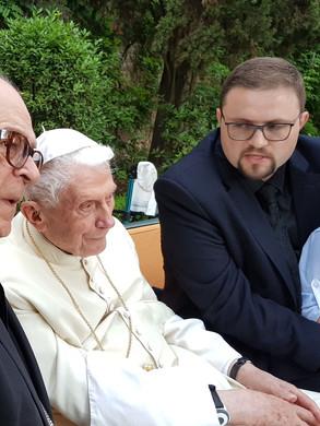 Visita ao Papa Emérito Bento XVI, Jardins do Vaticano, 2019.