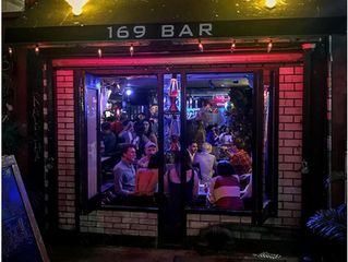 """New York; ruta por los 11 mejores """"dive bars"""""""