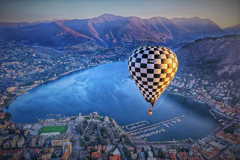 lake como balloon.jpg