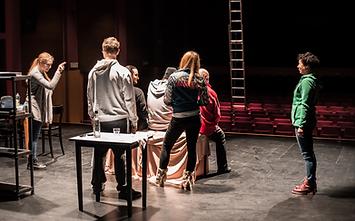 Cours-theatre-improvisation-jeux-ludiques