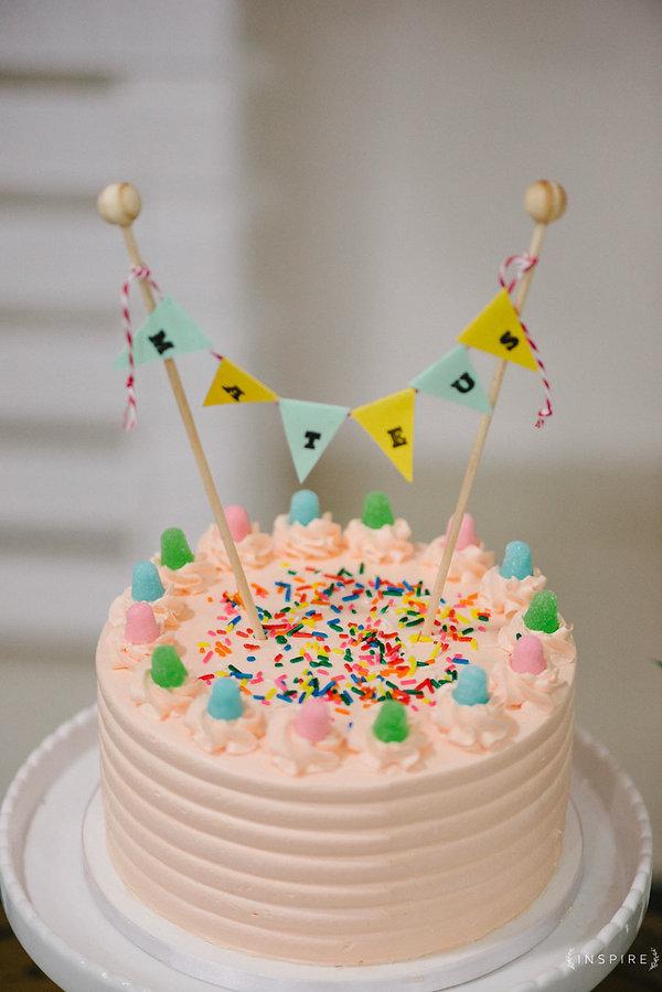 bolo cobertura buttercream colorido topo de bolo artesanal