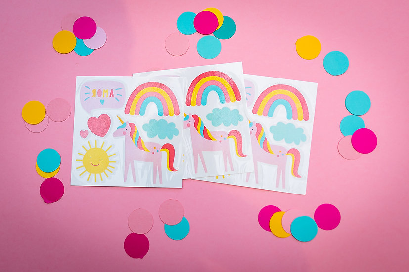 Pacote com 5 cartelas de tatuagens temporárias de arco-íris, unicórnio, sol e coração.