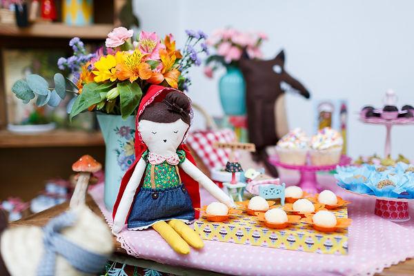 Boneca de pano chapeuzinho vermelho artesanal - Festa Era uma Vez