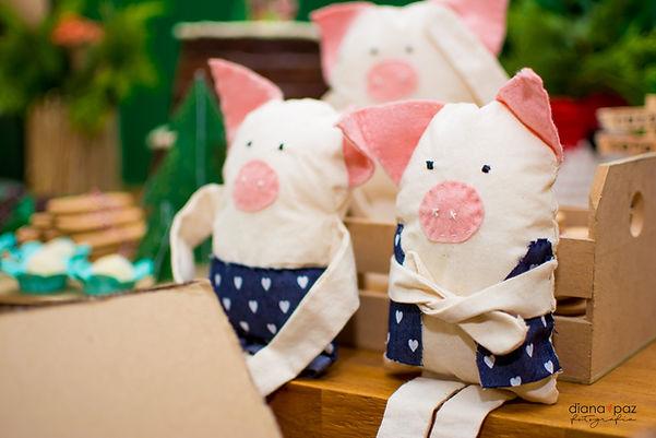 Personagens três porquinhos tecido feltro