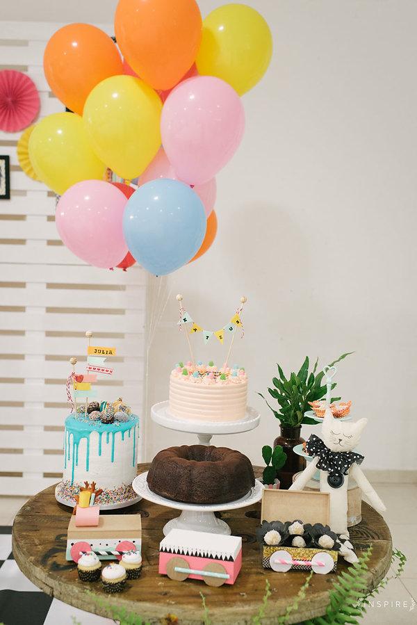 Festa era uma vez,gato d botas, trio de bolos, bolo da vovó, bolo caseiro, topo de bolo, folhagem, cactus