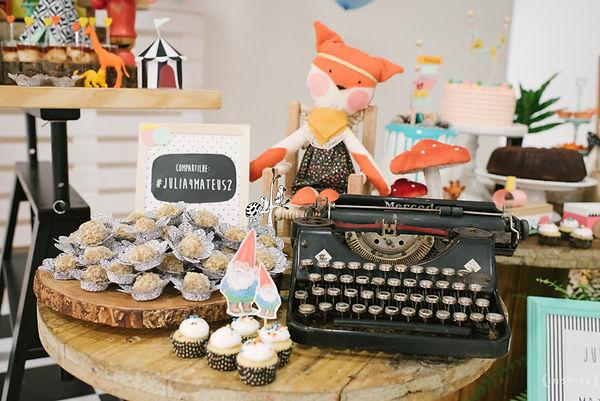 festa raposa era uma vez máquina de escrever