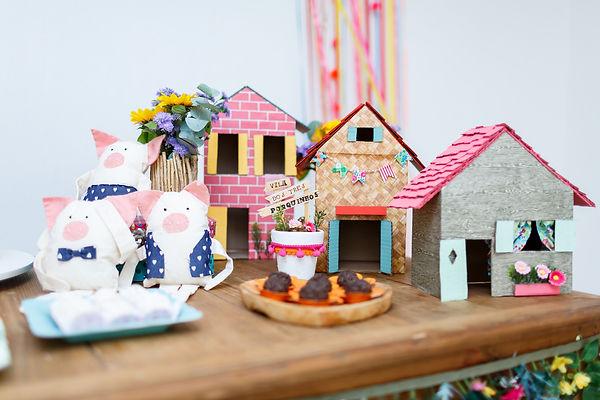 Casinhas dos três porquinhos artesanala - festa Era uma Vez