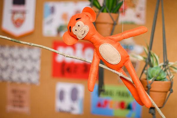 Macaco de feltro safari do Bita