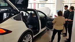 In die Welt von Tesla