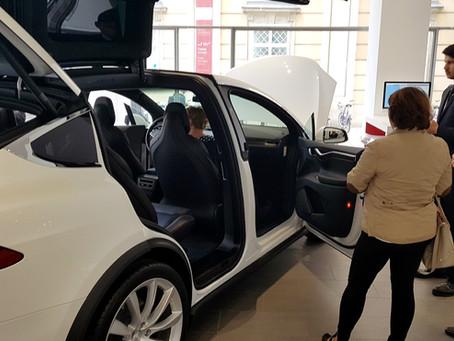Elektromobilität in der Welt von Tesla