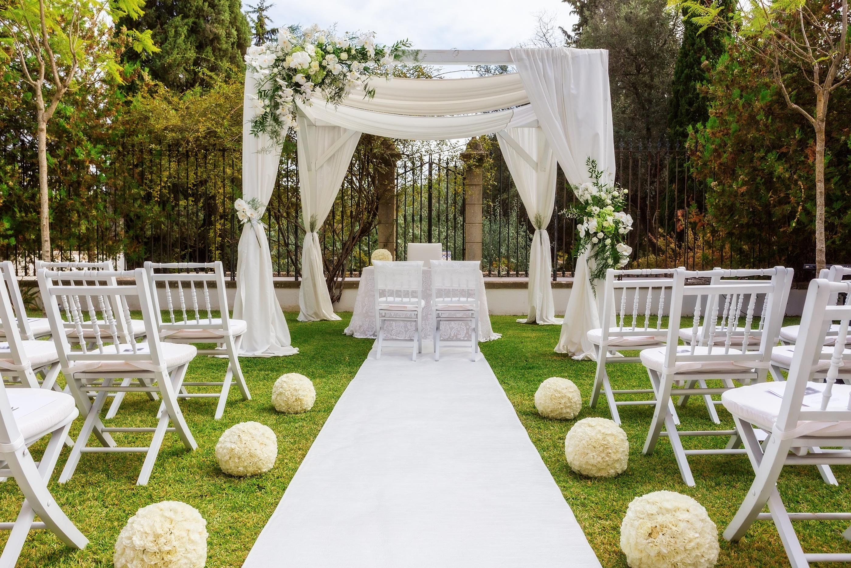 Of Wedding Decoration In The Garden. Modern Wedding.