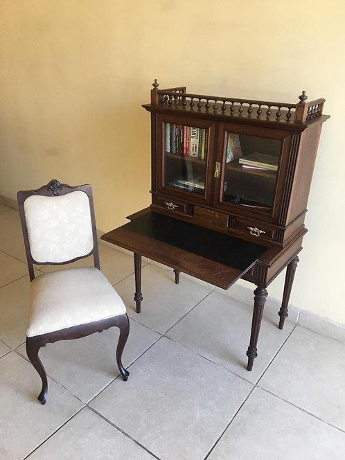 Escrivaninha + Cadeira (ANTIGUIDADE)