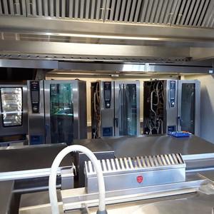 Journée maintenance pour ces fours RATIONAL installés au Lycée international de Ferney Voltaire