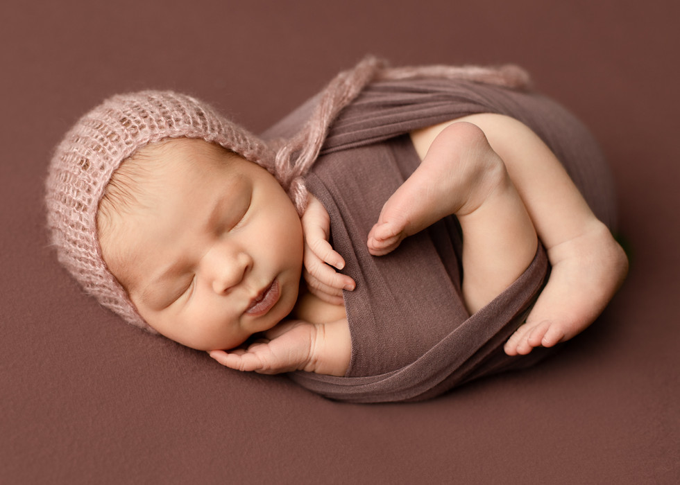 studio newborn session, baby photographer, baby photos regina, balgonie