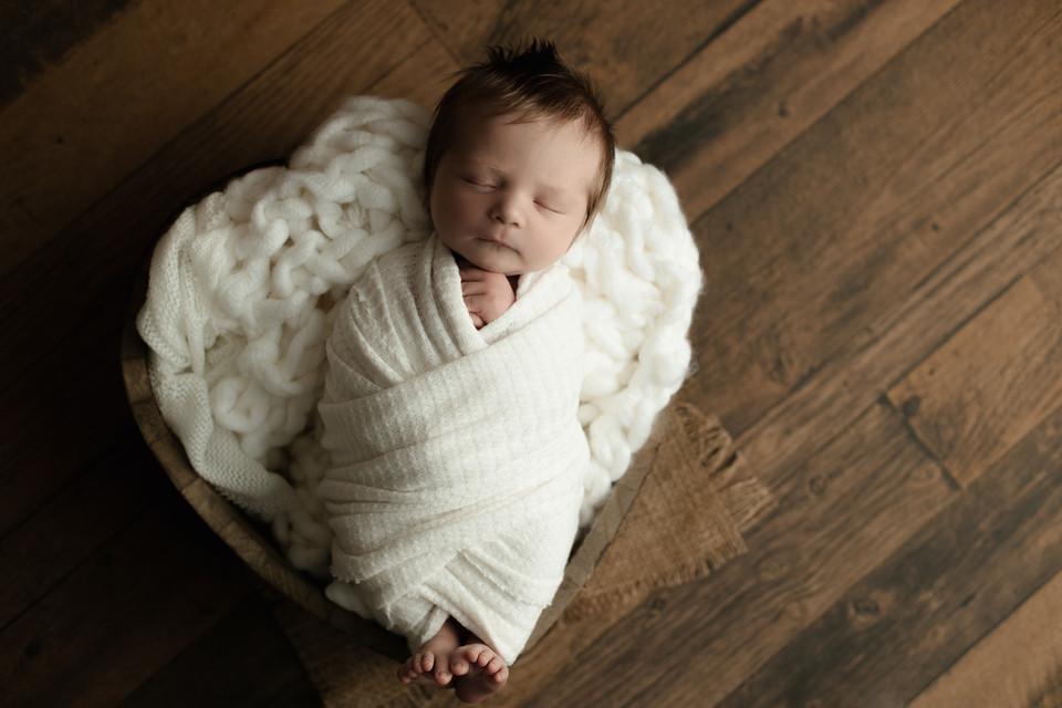 newborn photos regina, saskatchewan photographer, baby photos regina, balgonie photographer, white city photographer, studio photographer