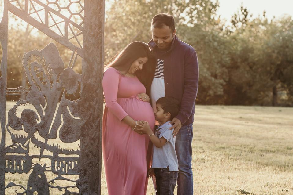 regina maternity photographer, regina photographer, regina newborn photographer