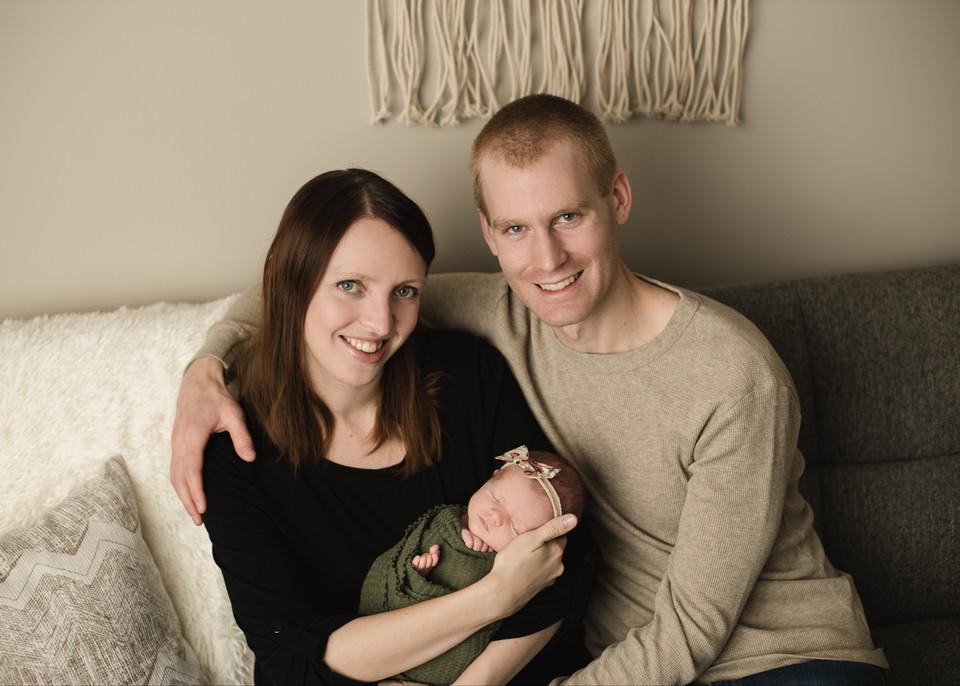 family photos, newborn photographer, regina photography, newborn session, studio balgonie