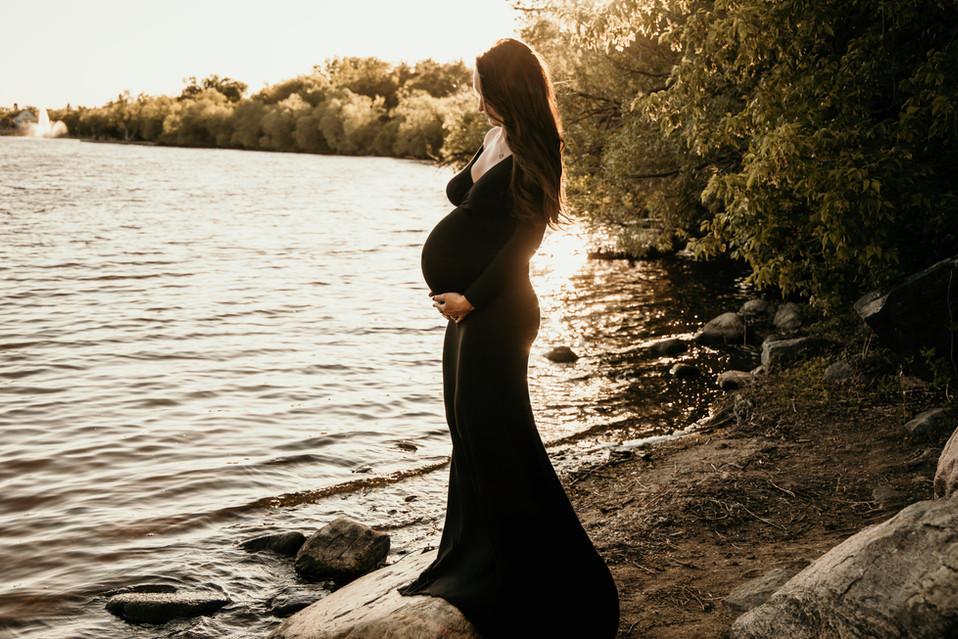 balgonie photographer, regina photographer, maternity photos, pregnant photos, saskatachewan photographer, water photos, wascana lake