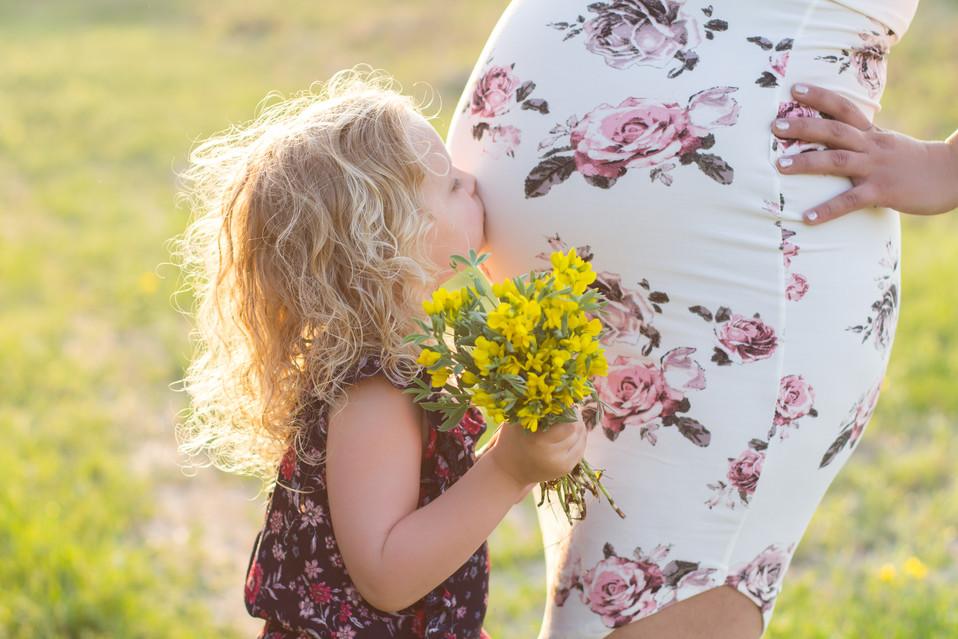 regina maternity photographer