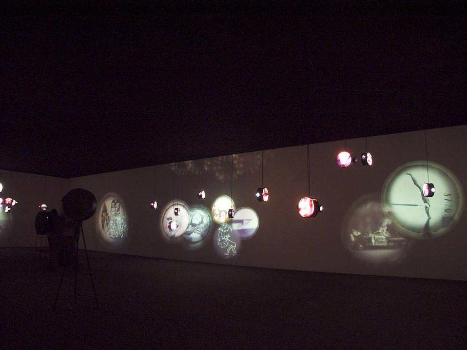 """"""" En la Punta de la Lengua"""" Video Instalación 1997"""