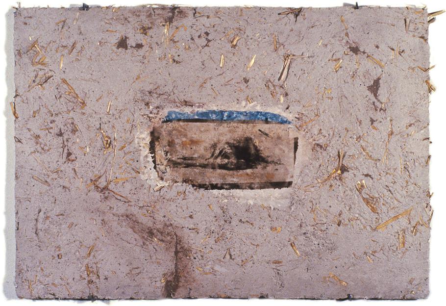 """""""Serie desastres"""" Emulsión fotografica y peltre sobre adobe. 32 x 45 cms 1992 """""""