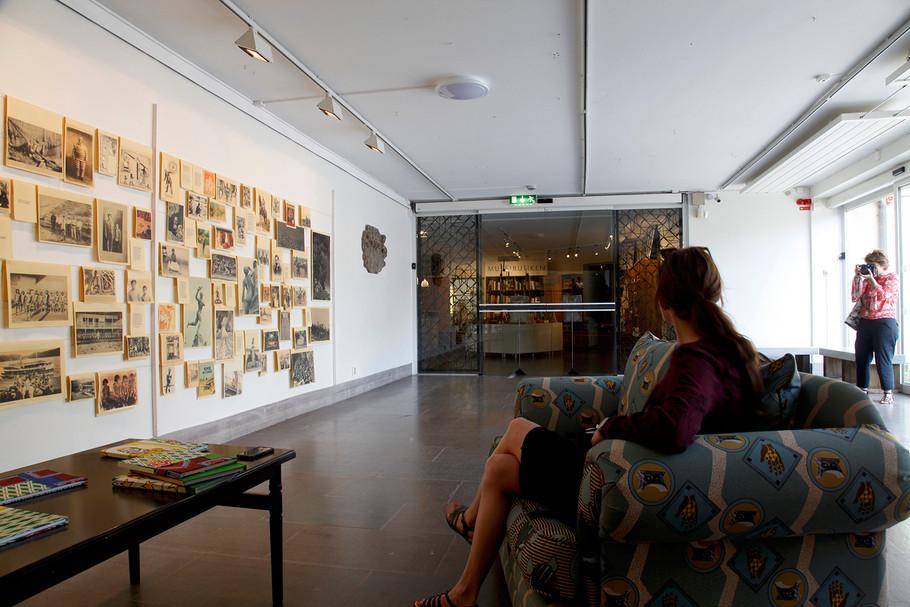 """""""Arbol de lágrimas"""". (Imagen dialéctica) Instalación. 2017, Open Art Bienal, Orebro, Suecia"""