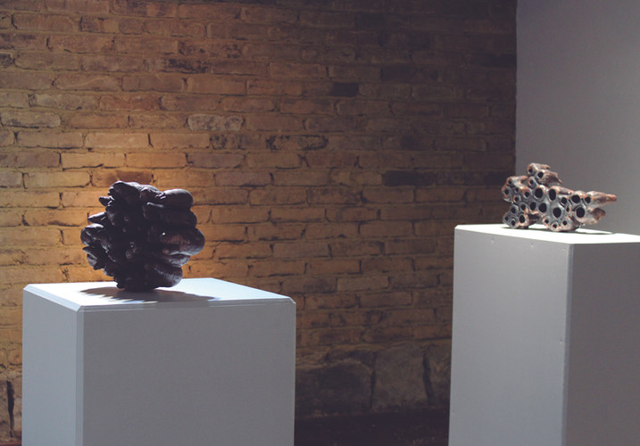 Estefanía Gracia Defectus o lo que desaparece Técnica: Instalación, cerámica, engobes, esmaltes. 2018