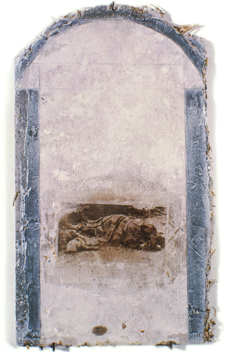 """""""Serie desastres"""" Emulsión fotografica y peltre sobre adobe. 28 x 18 cms 1992"""