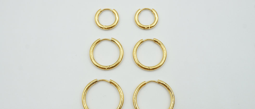 minimal gold hoops