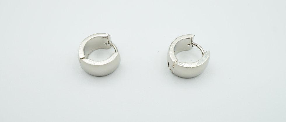 lia huggie hoops - silver