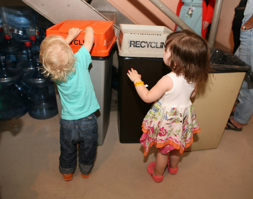 Cosi and Ella Recycing