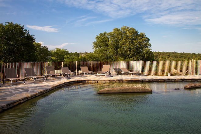 vue piscine naturelle de ceyrac