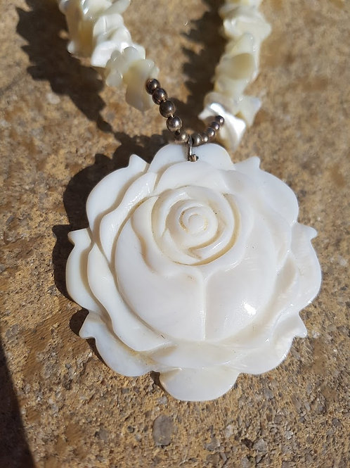 Mother of Pearl Rosette necklace
