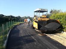 Squadra asfalti al lavoro. Alpi Carlo sr