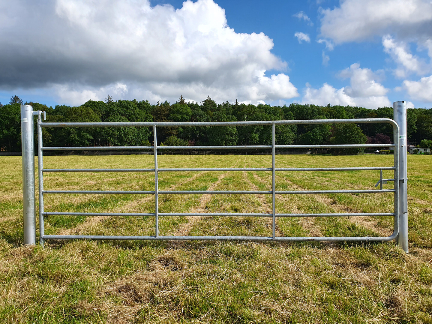 The highest quality gates, posts and hangers