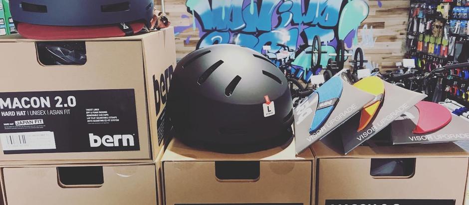 ★ヘルメット追加入荷!!★欠品していたサイズ補充+人気キッズヘルメット用スペアバイザー!!