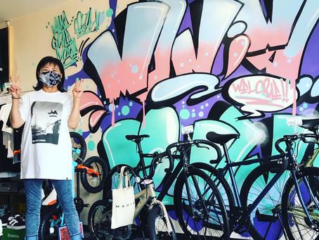 ★お世話になっている東菜館のママさん!★自転車修理+DC SHOES Tシャツご購入!!